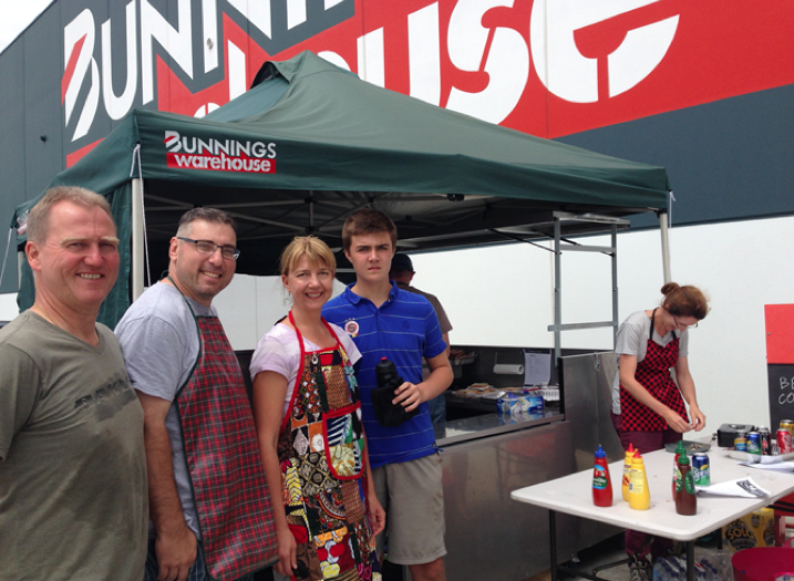 BCCTC Members lending a helping hand at the Bunnings BBQ.